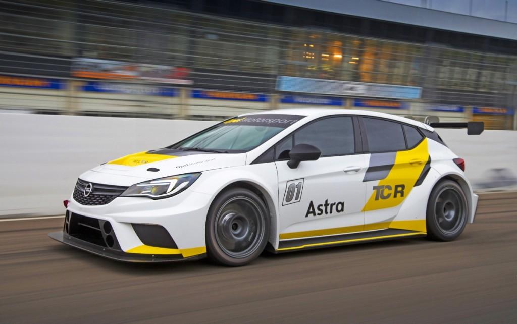 Opel Astra TCR: testy przed sezonem